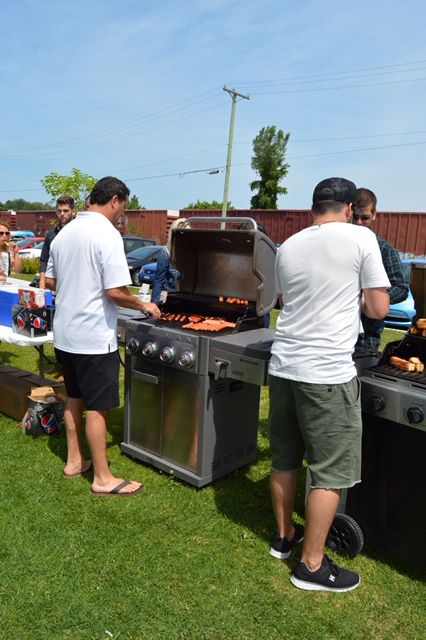 Diner_hot-dogs-benefice_Fondation_Jeunes-proches-aidants_04
